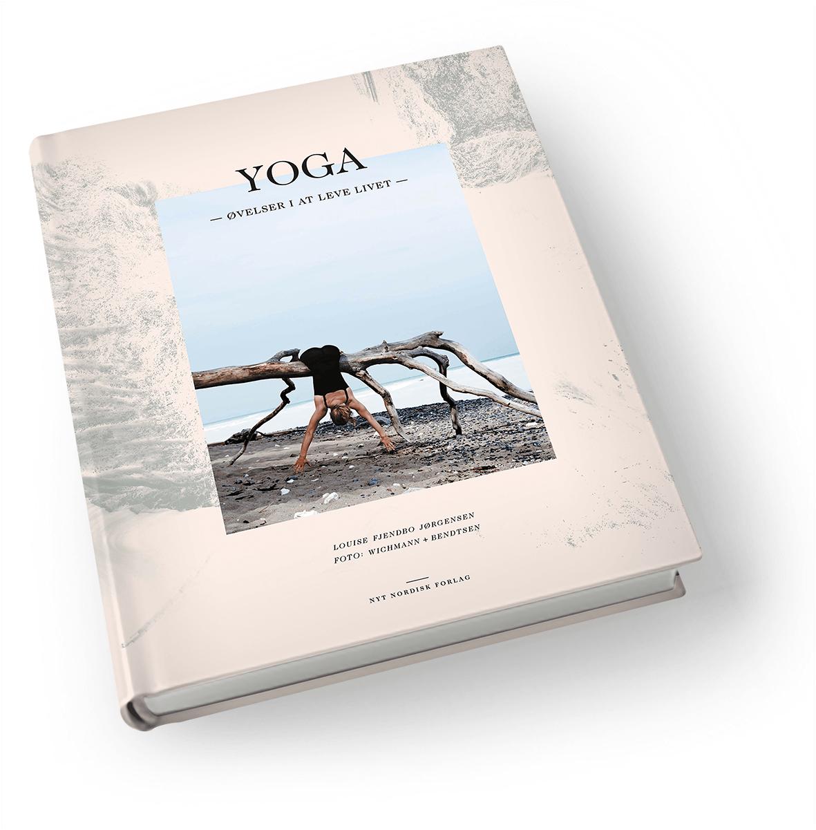 """Anmeldelse af """"YOGA – øvelser i at leve livet"""""""