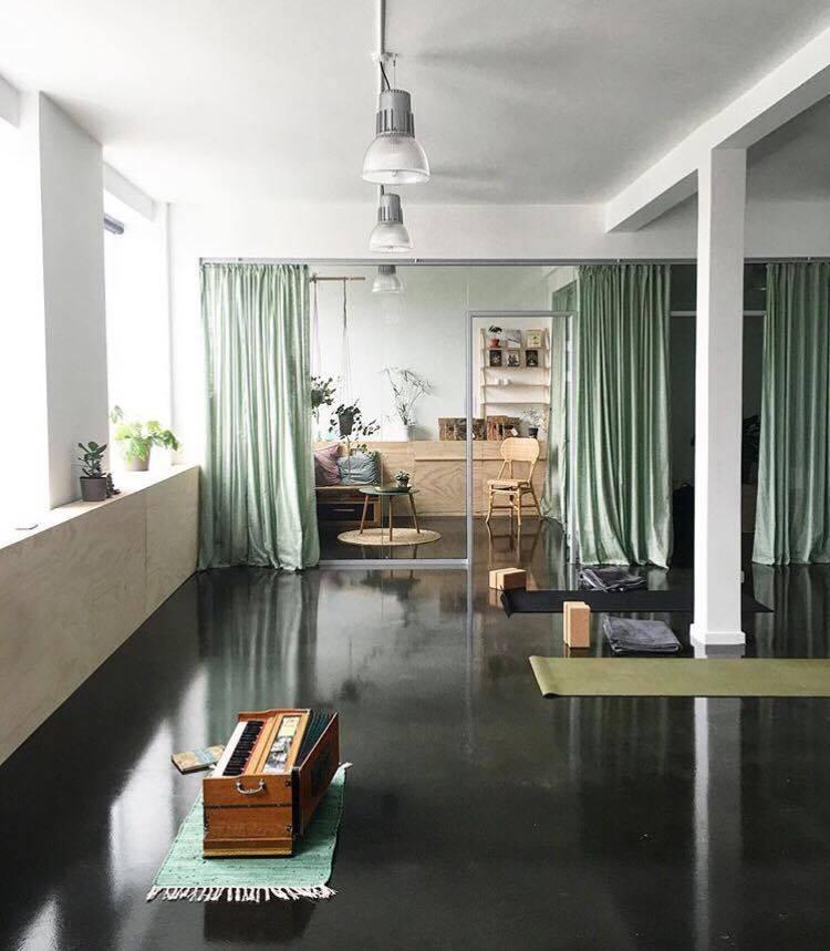 sangha yoga studio - Yogalove.dk