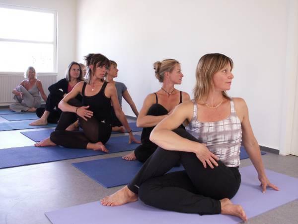 Yogauddannelse hos Yoga Skolen i Helsingør